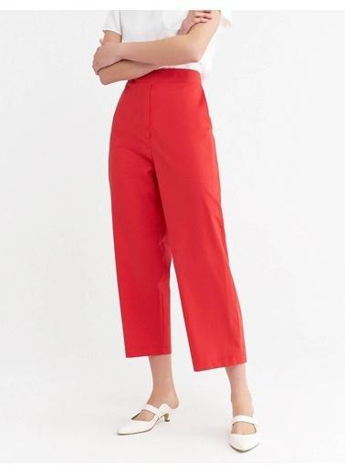 BGN Kısa Genıs Paca Pamuklu Pantolon Kırmızı